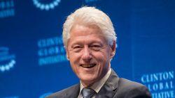Приеха Бил Клинтън в болница