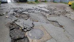 Тежка техника разчиства отнесените след пороя улици в Долна Оряховица