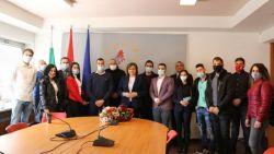 Млади социалисти застанаха зад лидера на БСП Корнелия Нинова
