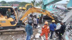 6,2 по Рихтер в Индонезия, десетки загинаха