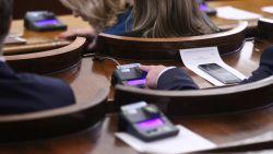 Народното събрание гласува драстичното орязване на субсидиите за партиите