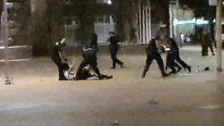 Вътрешният министър остава сляп за полицейското насилие при протестите