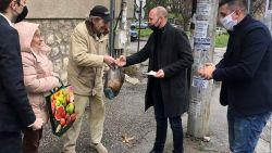 От Младежкото Обединение на БСП раздадоха хранителни продукти и предпазни средства срещу коронавируса на възрастни хора