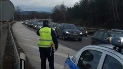 Засилен трафик и засилено полицейско присъствие по пътищата