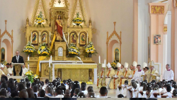 Папа Франциск даде първо причастие на 245 деца
