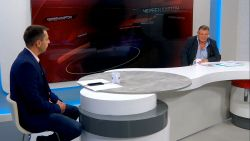 """В предаването """"Червен картон инженер Георги Манев показва копие от оригинала за това, че """"Левски"""" е създаден през 1911 година"""