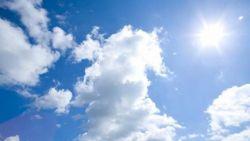 Разкъсана облачност и вятър във вторник
