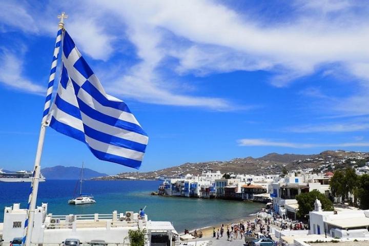 Обща стачка парализира транспорта в Гърция днес