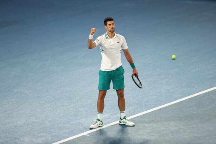 Джокович подобри рекорда на Федерер за №1 в света