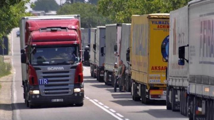 Ананиев забрани влизането в България на тирове от 50 рискови държави