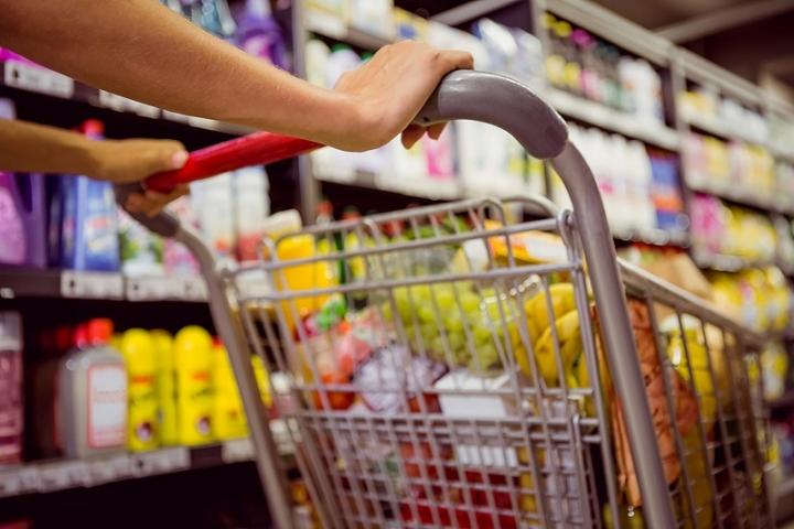 ЕК заплаши България със съд заради квотите за местни храни в магазинитe