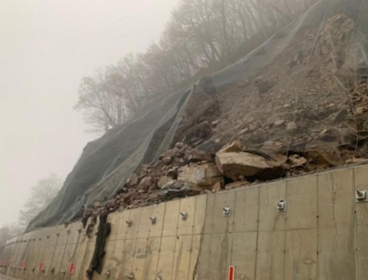 Пътят за Рилския манастир остава затворен