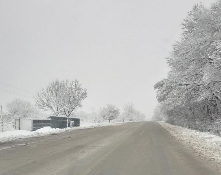В Добричко има бедстващи селища, пътища са блокирани край Варна