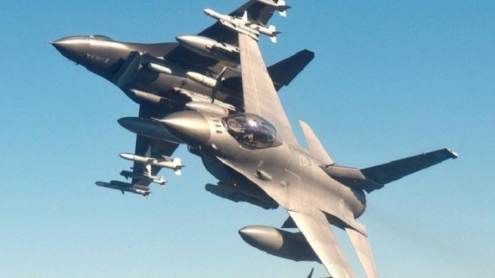 Пентагонът обяви договора за производството на изтребителите F-16 за България