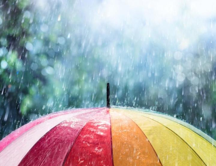 Бури и опасни дъждове в цялата страна