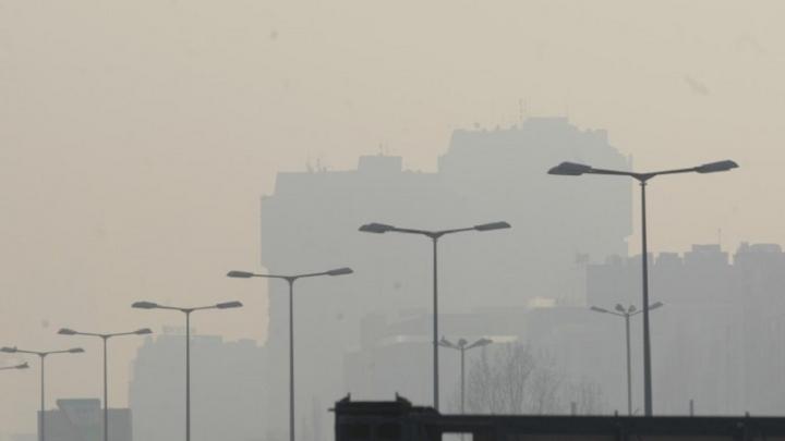 Опасно мръсен въздух в 11 български градове в четвъртък