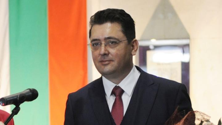 Задържани са президентските съветници Пламен Узунов и Илия Милушев