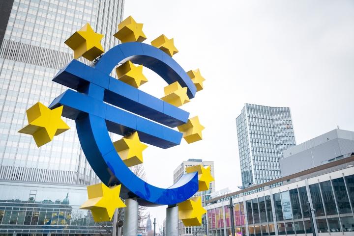 Чакалнята за еврозоната се отдалечава за октомври