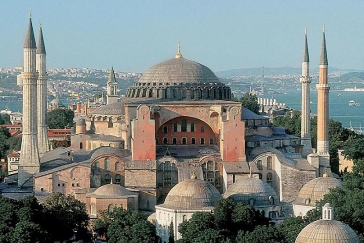 """Турският върховен съд реши, че """"Света София"""" ще бъде превърната в джамия"""