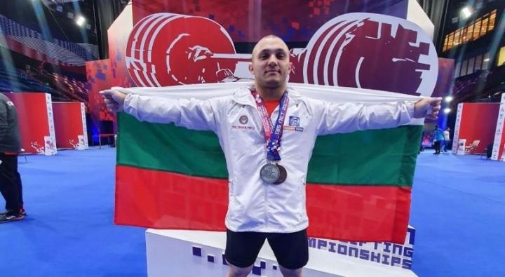Български дебютант с бронз на Европейското по щанги в Москва