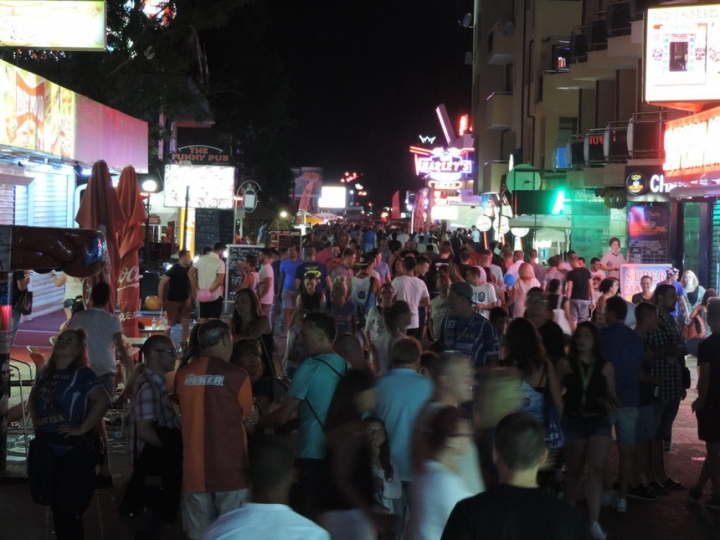 Слънчев бряг - най-евтин за алкохолен туризъм на британците