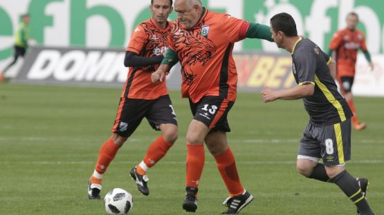 Футболът на Бойко Борисов и Бойко Борисов извън футбола или пир по време на чума?