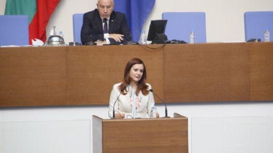 Виолета Желева към Емил Димитров: Трябва ли да настъпи екокатастрофа, за да предприемете мерки за контрол върху качеството на водата