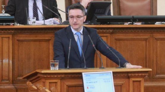 Вигенин към Борисов: Предпочитате монолозите в контролирана среда, но България е парламентарна република /ВИДЕО/