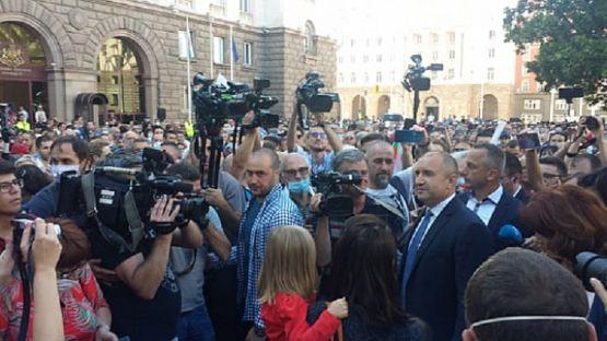 Румен Радев: От нас зависи да изхвърлим мафията от изпълнителната власт