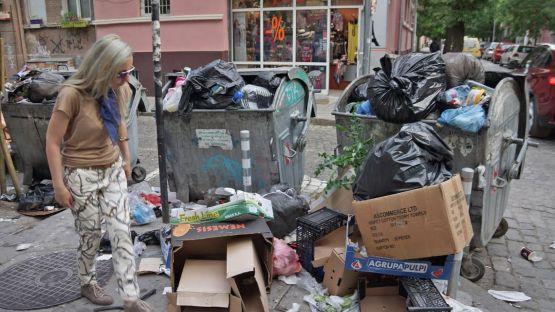 Йорданка Фандъкова крие информация за горенето на боклук в София?