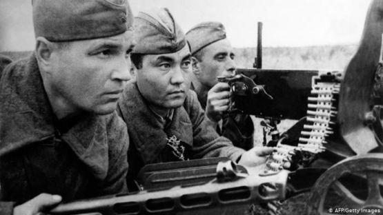 За историята свободно: Сталинградската битка и Кубинската революция