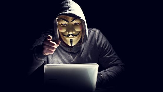 """""""Анонимните"""" обявиха война на Илон Мъск"""