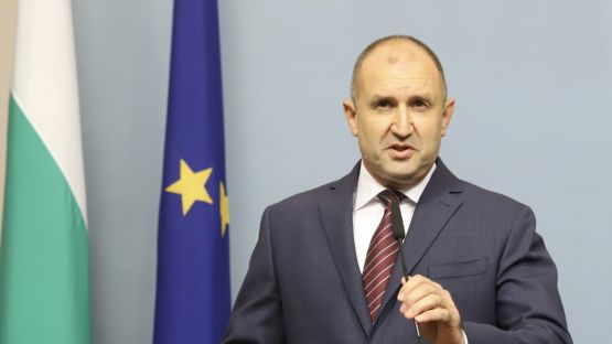 Радев отговори на Борисов: Доверието в управлението е безвъзвратно загубено! Оставка! И избори!