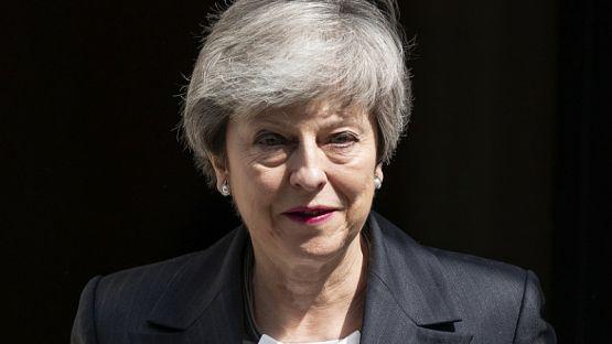 Тереза Мей накрая подаде оставка, напуска властта на 7 юни