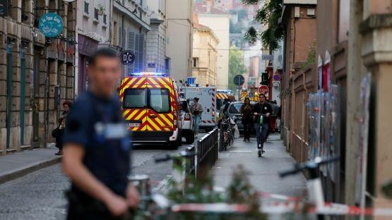 Експлозия на пешеходна улица във френския град Лион