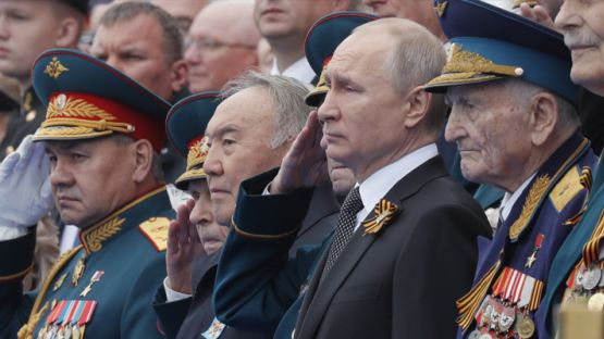 На Червения площад в Москва се проведе тържествен парад по случай Деня победата