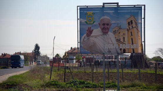 Раковски се подготвя за посещението на папа Франциск, който ще пристигне с папамобила си на 6-ти май